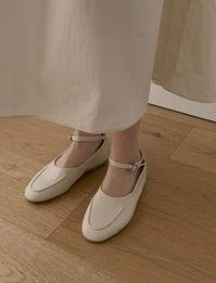 Stitch strap loafers