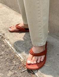 Double strap flip flop slipper