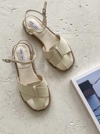 Cover strap sandals