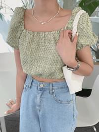 Tweed cropped blouse