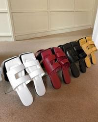 Double line strap slippers