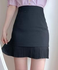 Youth pleated mini skirt