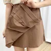 Sweet uneven pleated skirt