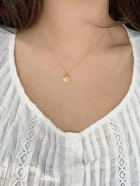 Casual coin necklace