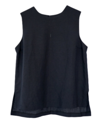 clean fit sleeveless or blouse