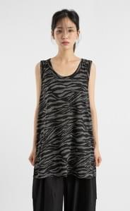 Zebra-pattern sleeveless top