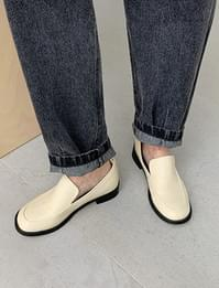 Mute round flat loafers
