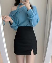 Cory half-off tie blouse