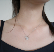 shining butterfly pendant necklace 項鍊