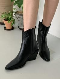 Royce wedge heel ankle boots