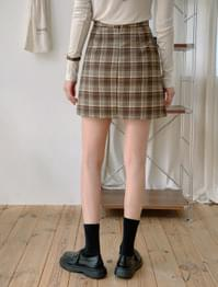 Semi A line check mini skirt