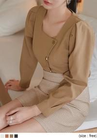 MOTY UNBAL BUTTON PUFF BLOUSE