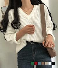 Grass Hatchi V-Neck Loose Fit Knit