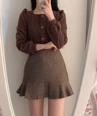 Cody Square Button Puff Knit