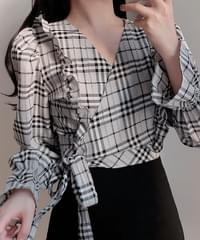 Soul check wrap blouse