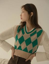 Color Pop Argyle Check Knit Vest