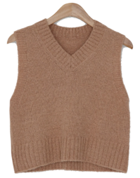 Yogurt crop wool knit vest