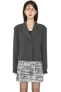 Two and hidden button short jacket