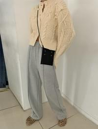 Point wide Fleece-lined banding pants