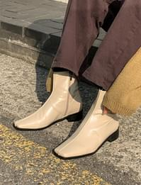 Tom's Half Square Ankle Boots
