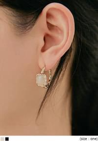 DELINA GOLD STONE EARRING