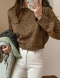 Beautiful Milk Color Short Knit