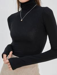 Labe warmer Turtleneck T-shirt