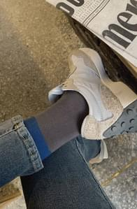 Two-tone color socks