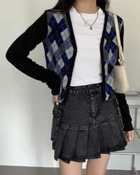 Frills Argyle cropped V-neck cardigan