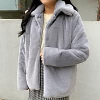 Small collar fur jacket