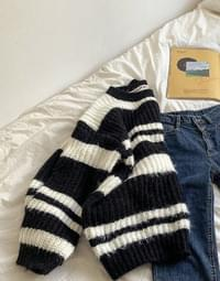 Solid short knit