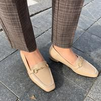 Basic front chain loafers