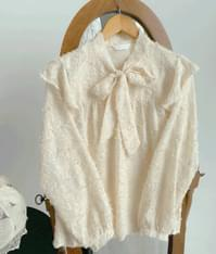 Poodle ribbon blouse