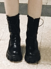 Lace-up platform platform walker boots 靴子