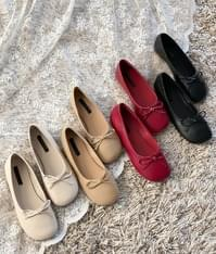 Ribbon Accent Rounded Square Toe Flats