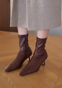 Stiletto middle heel ankle boots