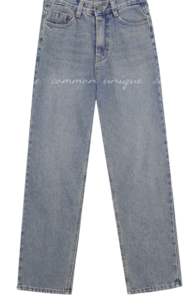 Loose Fit Cropped Jeans