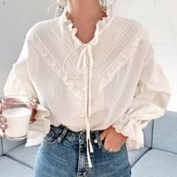 Daily frill ribbon lace blouse