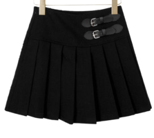Pleated buckle mini skirt