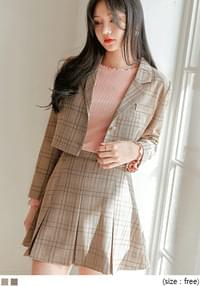 Cropped Check Jacket