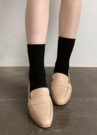 Milky Moody Basic Loafers