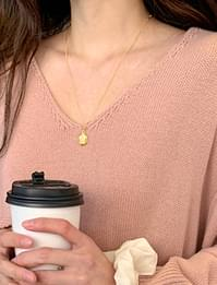 Solid pendant necklace