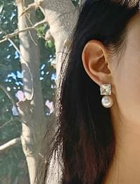 Square cubic pearl earrings