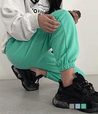 Short and long jogger pants that can be added with a length of 6cm