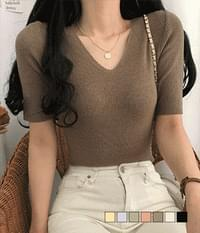 Unconditionally as an inner, V-Neck Hachi Short Sleeve Knitwear