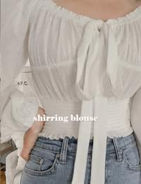 Live-Ashering-off blouse