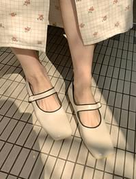 Line Mary Jane Flat Shoes