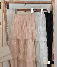 Three-stage cancan chiffon long skirt blowing in the wind