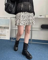 Soap ink pleated skirt
