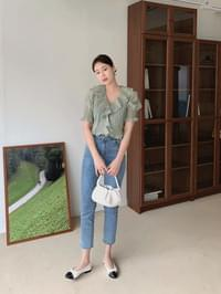 Muse frill blouse